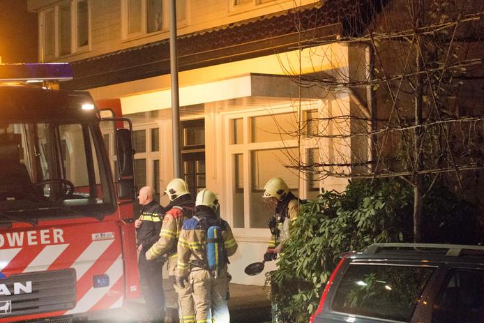 Brandweer bij de woning in Velp.