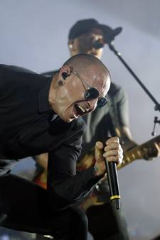 Linkin Park-zanger Chester Bennington (41) pleegt zelfmoord