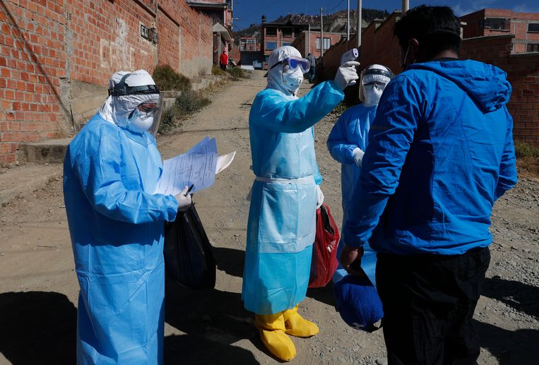 Coronatests worden afgenomen in de Boliviaanse hoofdstad La Paz.