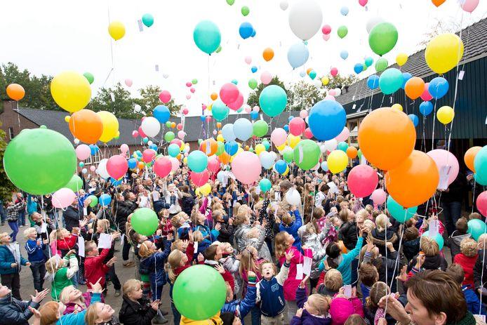 Actie op het schoolplein van de Aloysiusschool in Geeesteren.