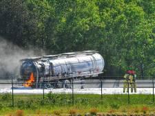 Vrachtwagenchauffeur (50) overleden bij ongeluk op A67 bij Bladel, snelweg weer open