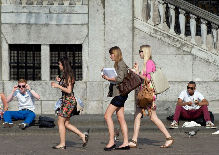 Het kledingadvies van het Nederlandse ministerie van Sociale Zaken schiet bij veel vrouwen in het verkeerde keelgat.