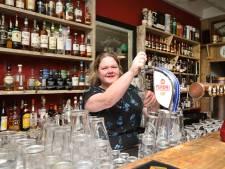 Eigenaar Ierse pub tekent contract voor tweede pand terwijl Rutte nieuwe maatregelen aankondigt: 'Gekste dag van mijn leven'