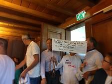 Groot protest tegen megastal Bavel, bewoners massaal aanwezig bij commissievergadering Breda