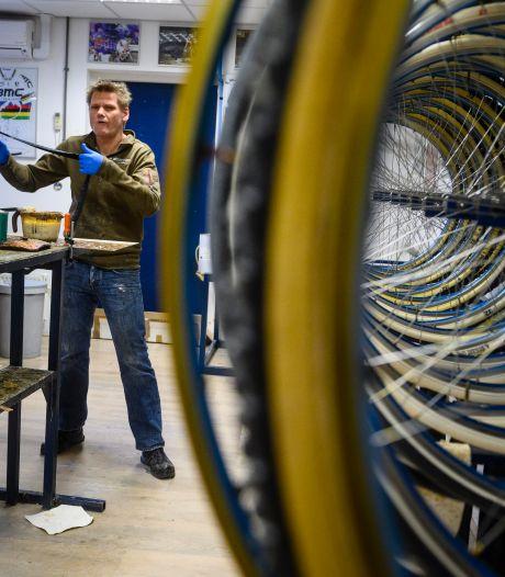 Voor bandenspecialist Nieuwenhuis uit Deurningen is Parijs-Roubaix nog niet voorbij