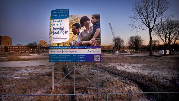 Een bouwplaats van de nieuw te bouwen woonwijk Houtingen in Hoogvliet waar woningbouwvereninging Vestia woningen wil bouwen. Beeld anp