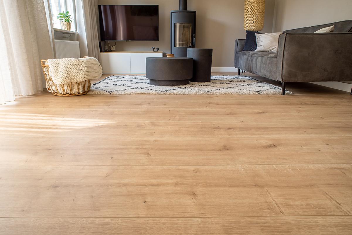 Landhuis-laminaatvloer, een veel gekozen materiaal voor op de vloer.