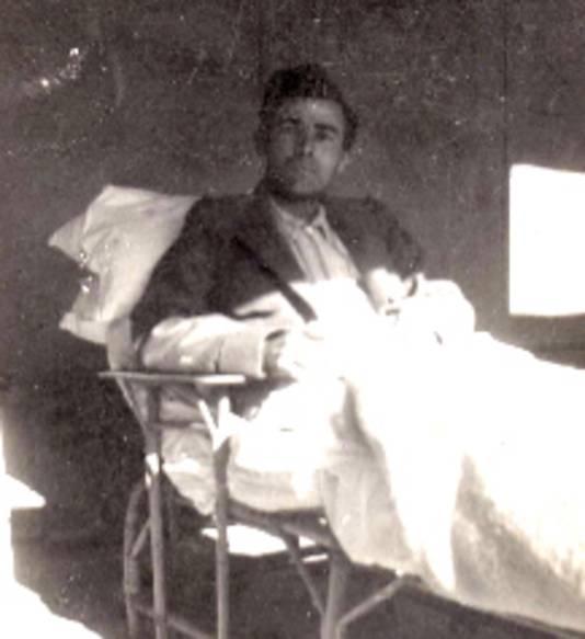 Donatien Hamon tijdens zijn revalidatie in het ziekenhuis.