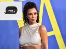 'Kim Kardashian stal logo voor parfum'