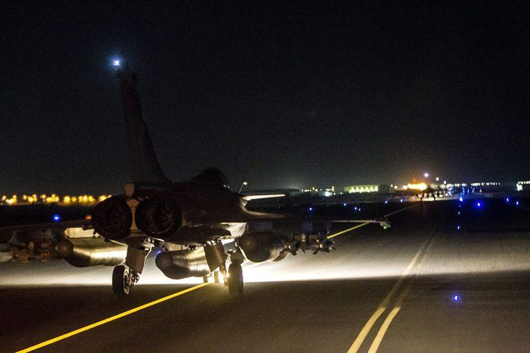 De Fransen hebben bombardementen uitgevoerd op de Syrische stad Raqqa. Beeld epa