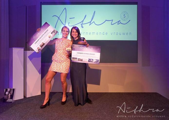 De winnaars van vorig jaar: Florentine Ouborg en Inge de Bekker.