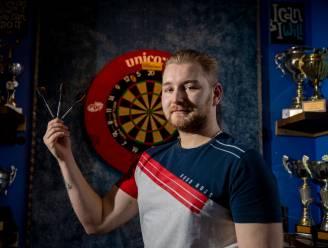 """Dimitri Van den Bergh gaat vol voor wereldtitel: """"Een cafésport? Darts is een levensstijl"""""""