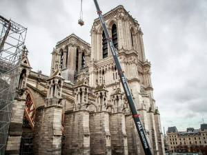 """""""Qu'il ferme sa gueule"""": un représentant de Macron recadre l'architecte de Notre-Dame de Paris"""
