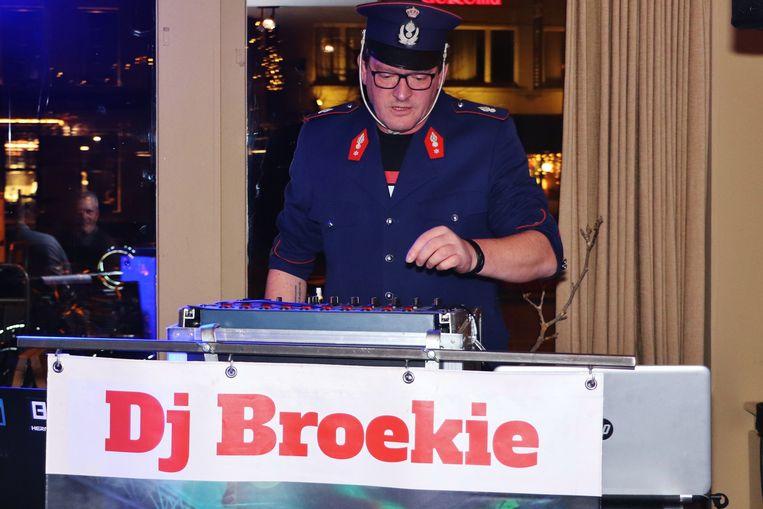 DJ Broekie zorgde voor de sfeer.