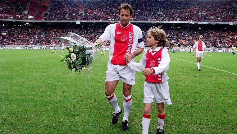 Danny Blind met Daley bij Danny's afscheid van Ajax in 1999 Beeld Hollandse Hoogte/VI Images