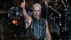 """In ziekenhuis opgenomen Rammstein-zanger aan de betere hand: """"Het virus dat me wil veroveren, bestaat nog niet"""""""