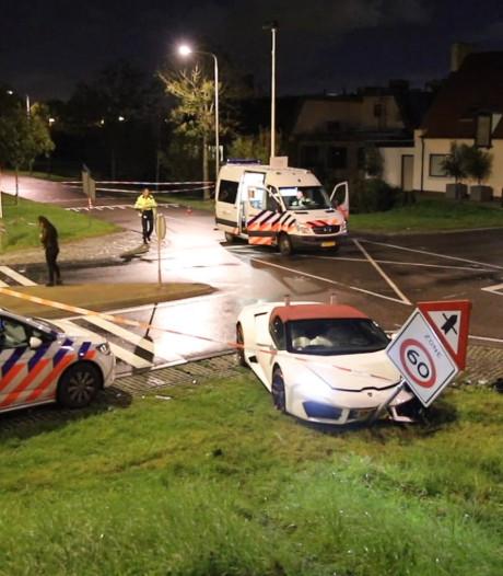 Lamborghini van 3 ton in de prak gereden: 'Huurder óf de chauffeur is de pineut'