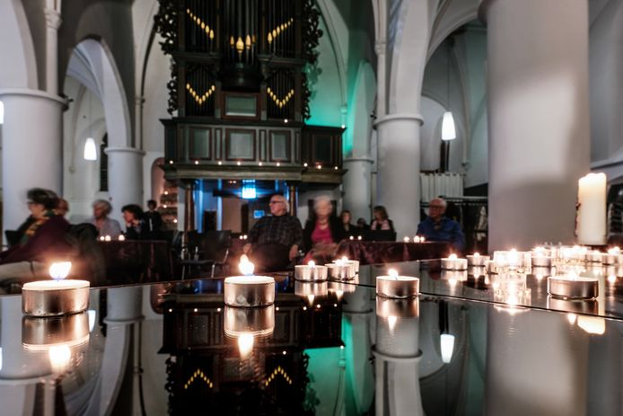 Elk brandend kaarsje heeft een verhaal in in de Werenfriedkerk in Westervoort.