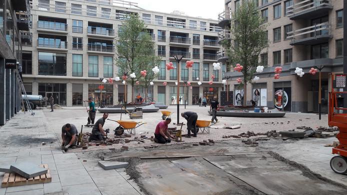 Er wordt hard gewerkt in Leidsche Rijn Centrum om de laatste pleinen af te maken