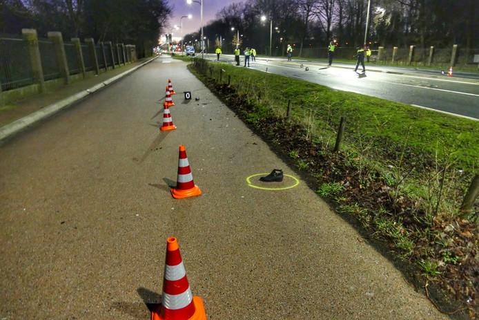 De Verkeers Ongevallen Analyse is urenlang bezig geweest met onderzoek op de plaats van het ongeval.