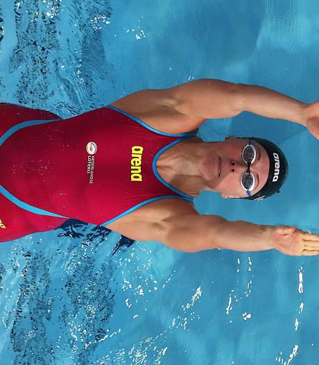Toussaint met nieuw Nederlands record naar EK-finale 50 meter rugslag