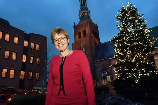 De komst van de nieuwe burgemeester Miranda de Vries naar Etten-Leur wordt gecombineerd met een nieuwjaarsreceptie.