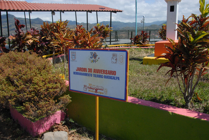 Mirador el Calvario, met een aangelegd perkje ter ere van de 30ste verjaardag van de stedenband Tilburg – Matagalpa.