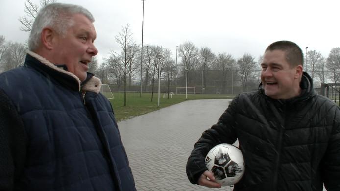 Oud-Eagle Jan Groeneweg en verslaggever Dennis Arentsen in conclaaf.