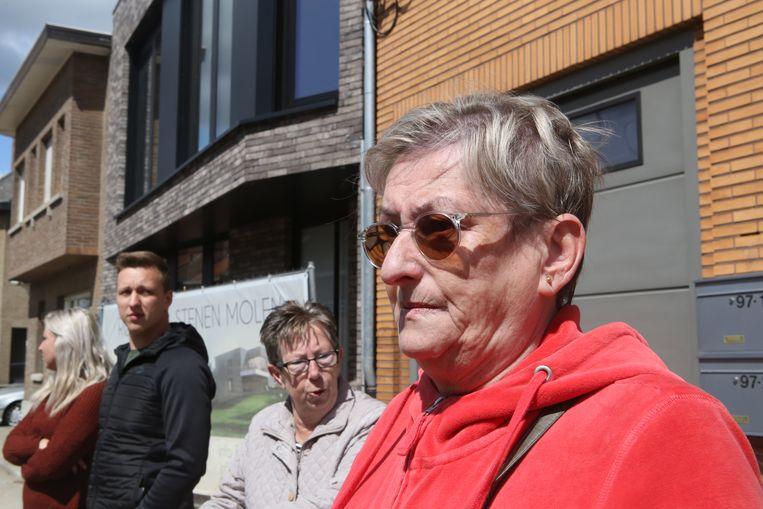 Rita Swinnen kon enkel toekijken hoe haar woning door de vlammen werden gegrepen.
