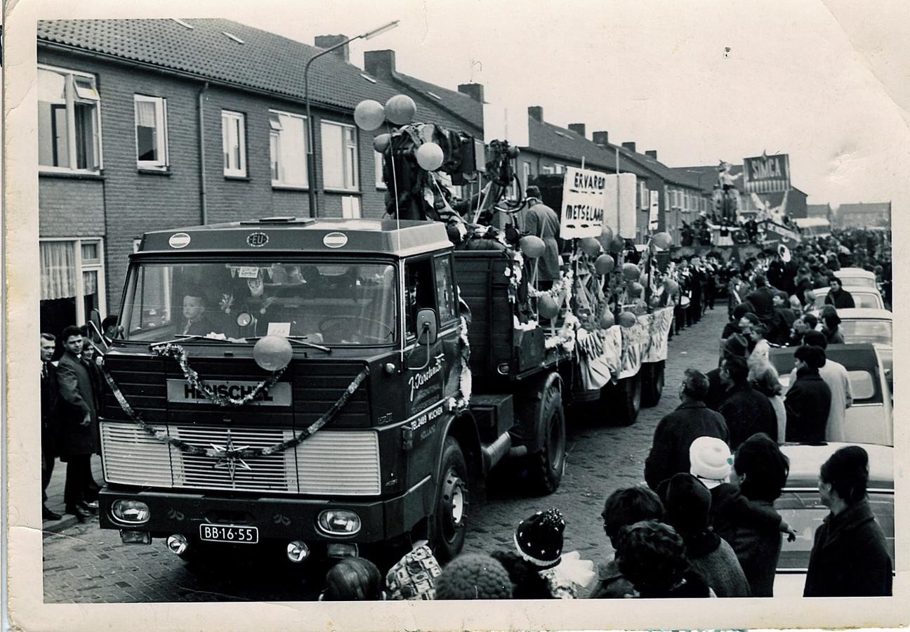 Carnavalsoptocht in Wijchen, 7 februari 1966