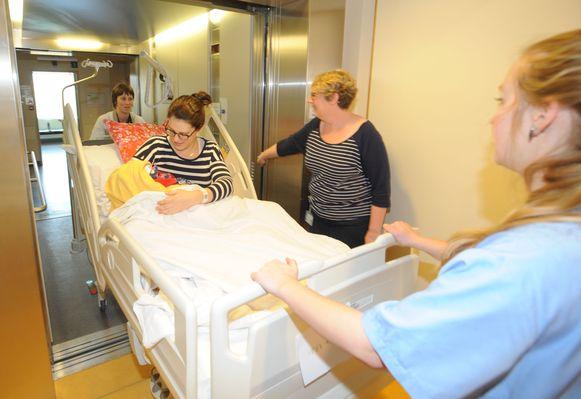 In 2017 verhuisde de Sint-Jozefkliniek in Bornem alle moeders met hun pasgeboren kindjes van de oude naar de gloednieuwe materniteit.