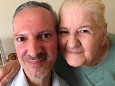 Emoties lopen hoog op bij Spoorloos-hereniging met Griekse ouders