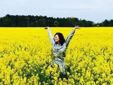 Kim-Lian is gek op bloemen en Nicolette kwispelt van blijdschap