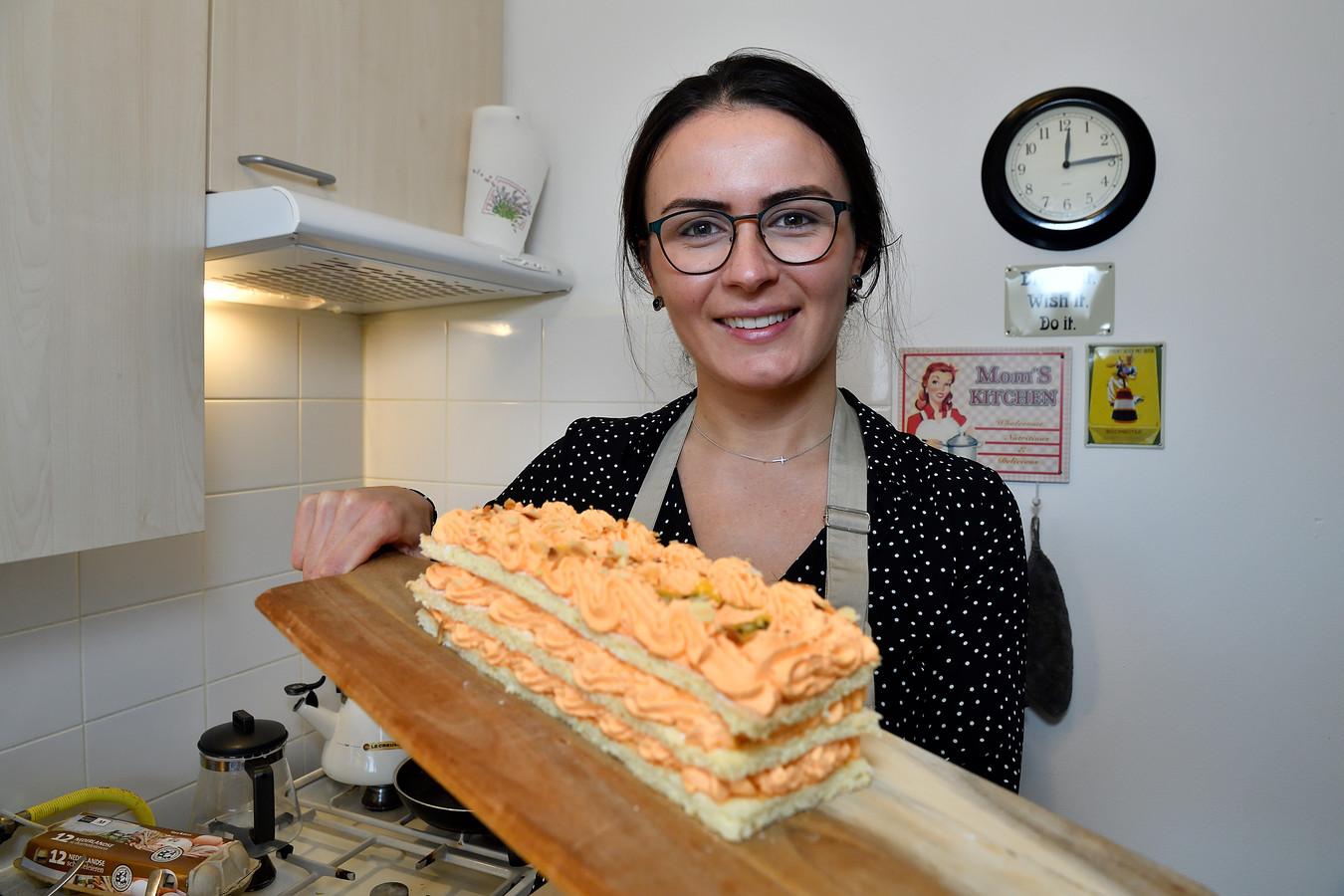 De winnares van HHB, Anna Yilmaz, laat zien hoe je deze heerlijke schnitte maakt.