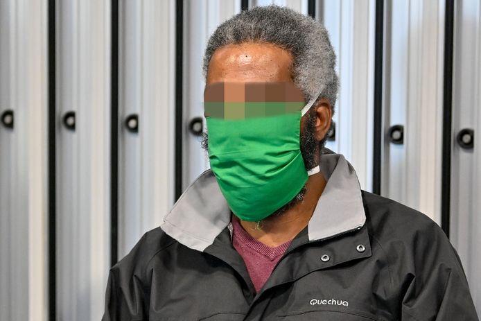 Yonas Mesfin Tela (42) tijdens zijn assisenproces over de moord op zijn vrouw Abeba Teumezgi Mebrahtom (29). BELGA PHOTO DIRK WAEM