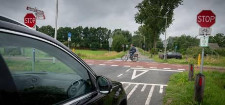 Oversteek RijnWaalpad met rotonde bij Bemmel valt slecht: 'Slenkweg blijft knelpunt'
