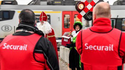 Infrabel sensibiliseert met Sinterklaas tegen spoorlopen: toch meteen 4 overtreders in uurtje tijd