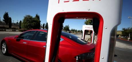 Nederlandse Tesla-eigenaars bereiden rechtszaak voor: 'Veel problemen met de auto's'