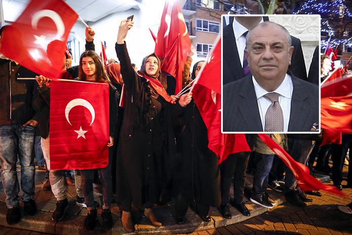 De Turkse vice-premier Tugrul Türkes.