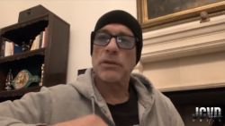 """Wereldster Jean-Claude Van Damme bedankt in videoboodschap het OLV-ziekenhuis van Aalst: """"Jullie zijn de echte sterren"""""""