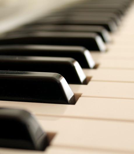 Pianist laat vleugel knetteren in Helmond, zangers geven Mahler warmte