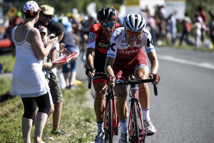 Maurits Lammertink met in zijn wiel Damiano Caruso.