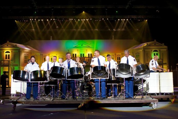 Steelband van het Nederlands Politieorkest.