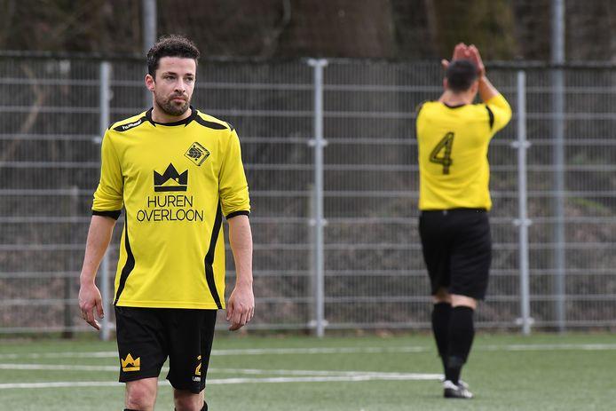 Ken Wijenberg baalt tegen Deurne, op de achtergrond doet SSS'18-aanvoerder Wout Janssen dat ook.