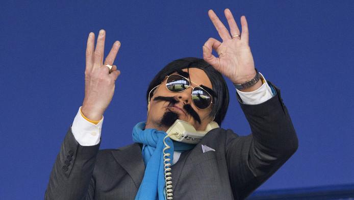 Ter illustratie: een tijdens carnaval als 'belchinees' verklede supporter