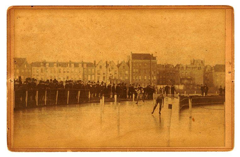 Foto rond 1890 genomen Beeld KPN