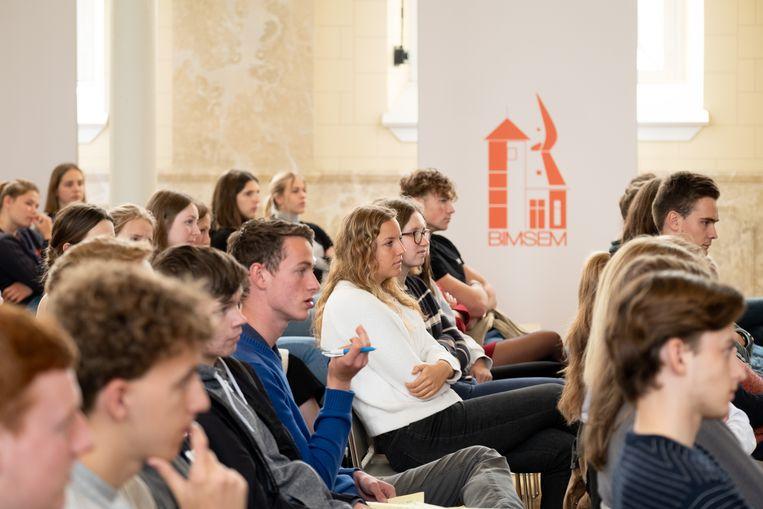 Politiek debat voor de zesdejaars in BimSem Mechelen