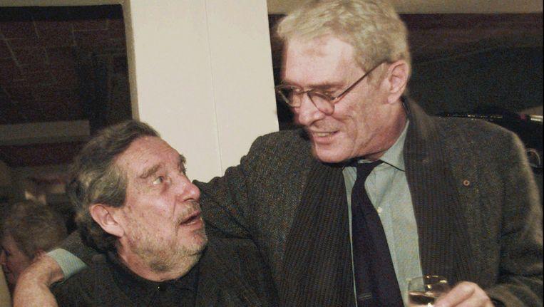 Mark Strand (rechts) en de Mexicaanse schrijver en Nobelprijswinnaar voor Literatuur Octavio Paz in 1995.