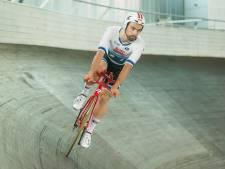 Victor Campenaerts au Wall of Fame du Wielercentrum Eddy Merckx