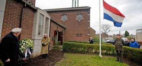 Enschede herdenkt vergeten bombardement: 'Hier vielen meer slachtoffers dan bij de Vuurwerkramp'